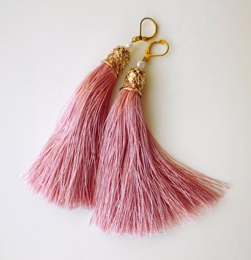 Фото для серьги-кисти розовые