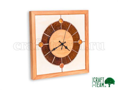 Photo of Часы настенные из бука с витражом Тиффани