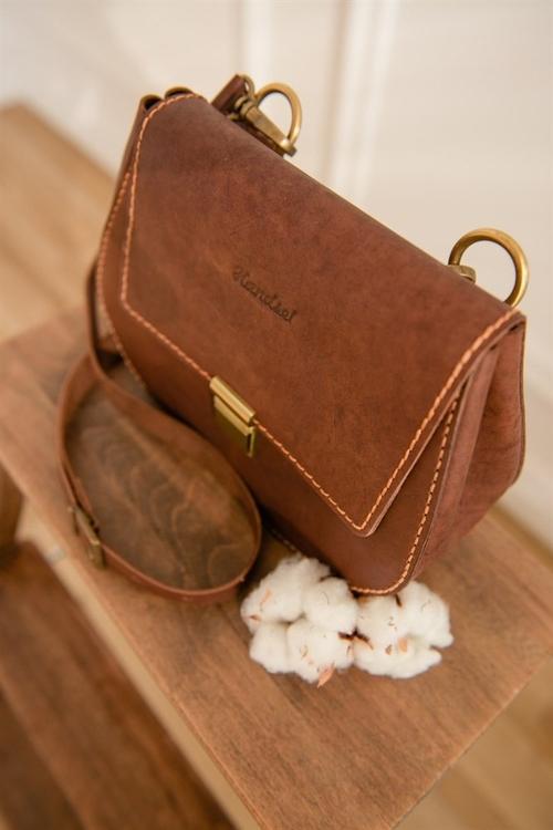 Photo of Женская сумка с плечевым ремнем