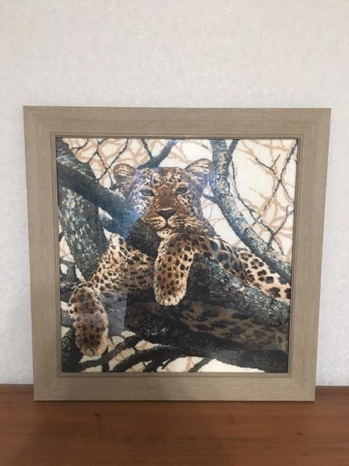 Photo of Леопард. вышивка крестом 60х60. Багет натуральное дерево