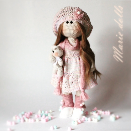 Photo of Вязанная кукла ручной работы. Кукла в розовом
