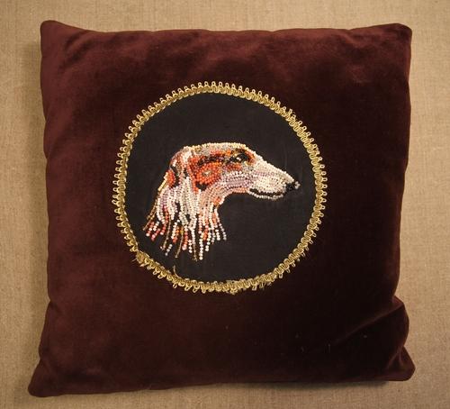 Photo of Декоративная подушка с изображением борзой