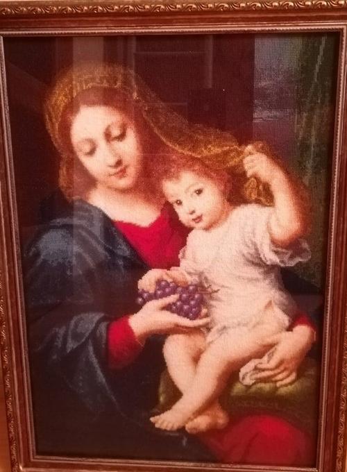 Photo of Мадонна с виноградом.