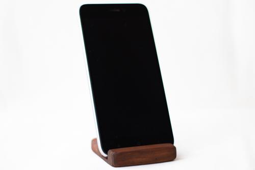 Photo of Подставки для мобильных телефонов из дерева