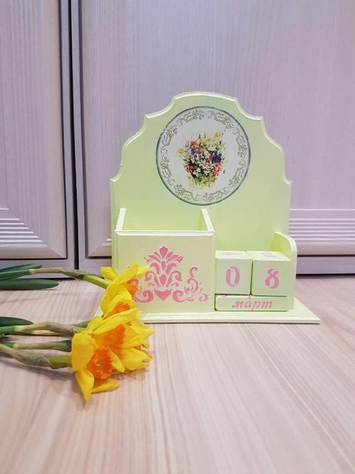 Photo of Вечный календарь, карандашница